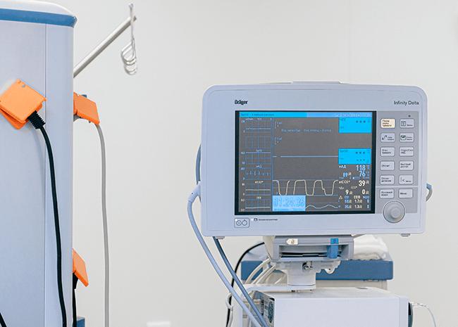 patient-monitoring-EKG